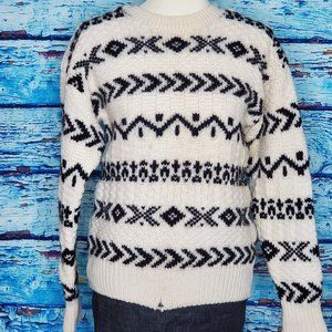 GAP 100% Pure Wool Sweater Size Small